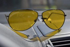 Выбор солнцезащитных очков для вождения